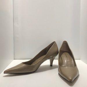 Bandolino nude heels, size 5 1/2